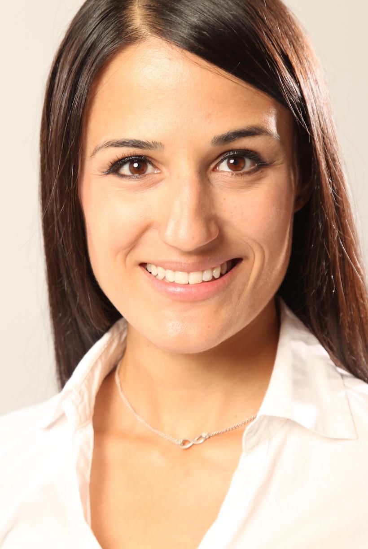 Soraya_Holper_Sanofi_Biotech_Pharma_Summit_2021_Profile_Gallery